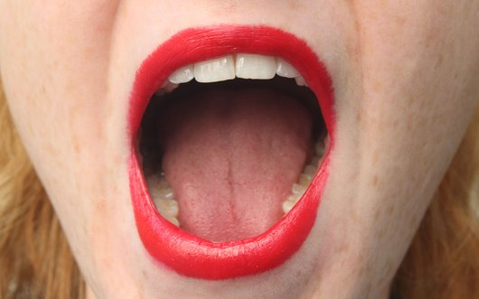 What to do with your tongue while kissing